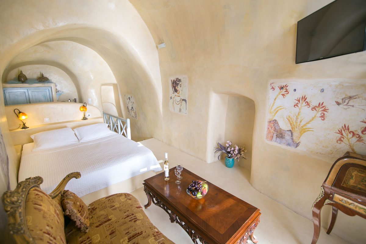 accommodation in oia | Kastro Oia Houses