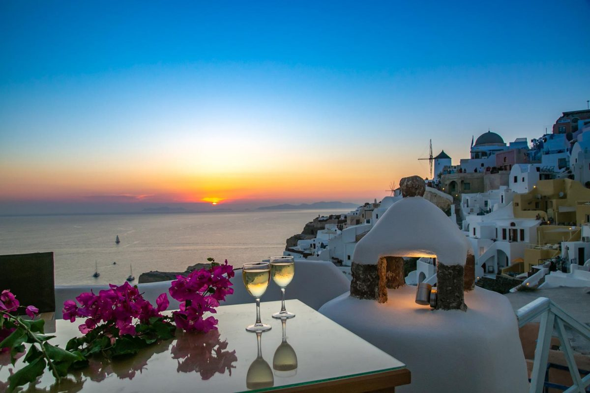 oia accommodation santorini | Kastro Oia Houses