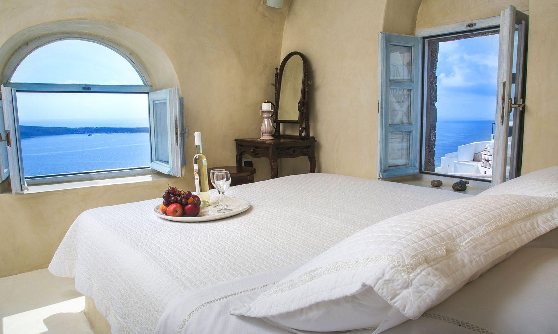 accommodation santorini greece | Kastro Oia Houses