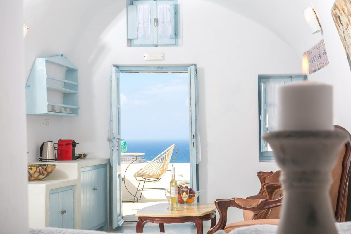 santorini oia accommodation | Kastro Oia Houses