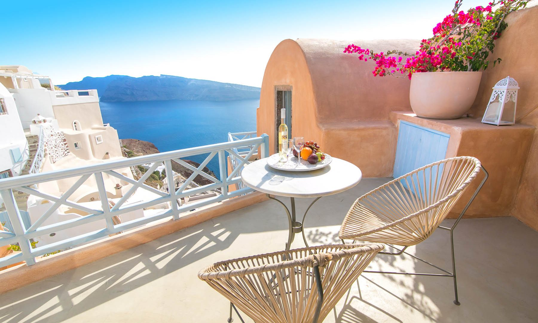 oia santorini hotel | Kastro Oia Houses