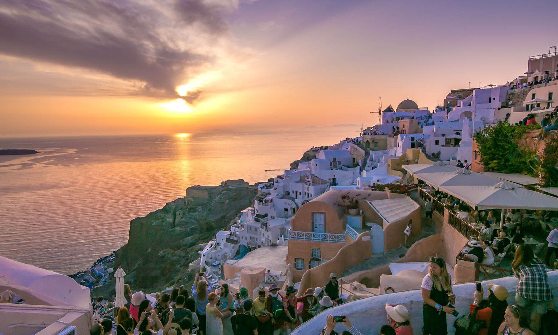 santorini sightseeing | Kastro Oia Houses