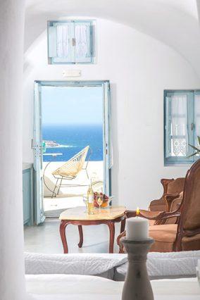 santorini oia hotel | Kastro Oia Houses