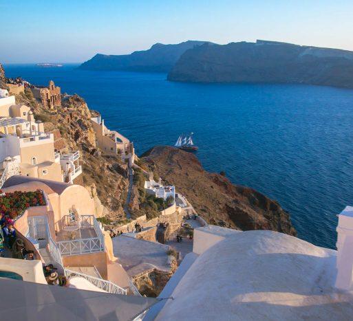 What's on in Santorini